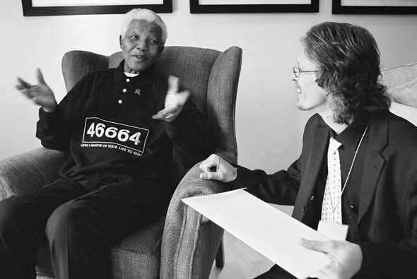 http://www.bates.edu/news/files/2011/10/harris-views.jpg Verne Harris (right) interviews Nelson Mandela, former anti-apartheid activist and President of South Africa.