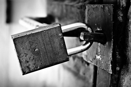 locked-1322793__340