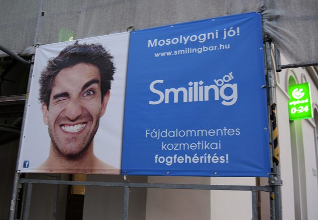 BODIES & CLASS. Billboard for Teeth-whitening in Hungary (Fehervary)