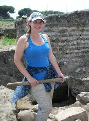 Alexandra Creola : Field Assistant