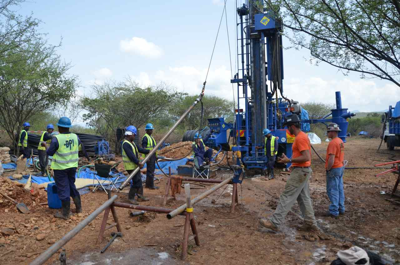 HSPDP drilling through 2.4 to 3.5 Ma fossil-bearing sediments adjacent to the Barsemoi River in the foothills of the Tugen Hills, Baringo Basin, Kenya.