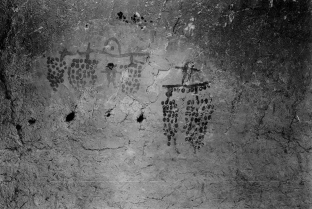 KM 5.3850 Wall painting from granary C123 of possible grapes.