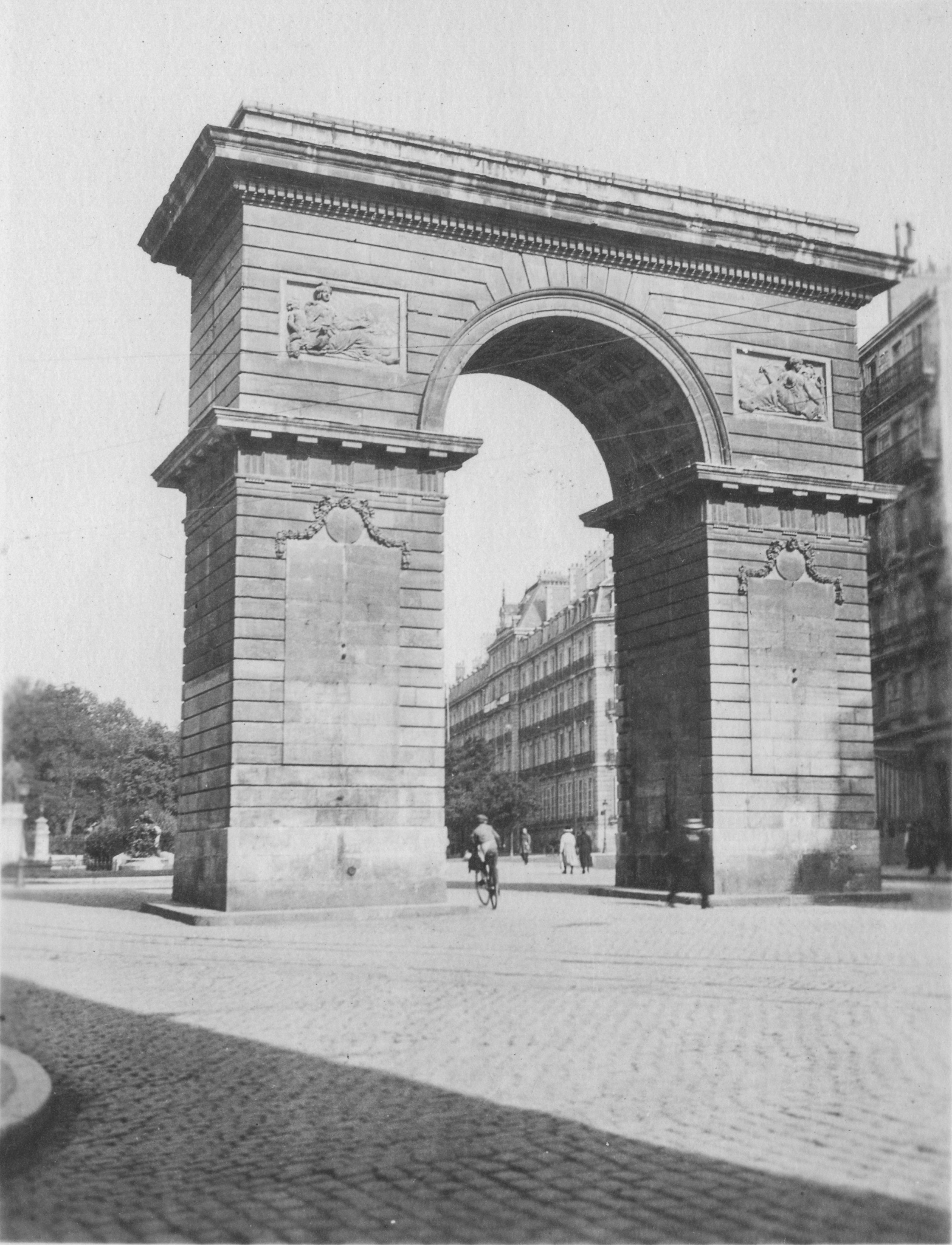 black and white photo of a triumphal arch
