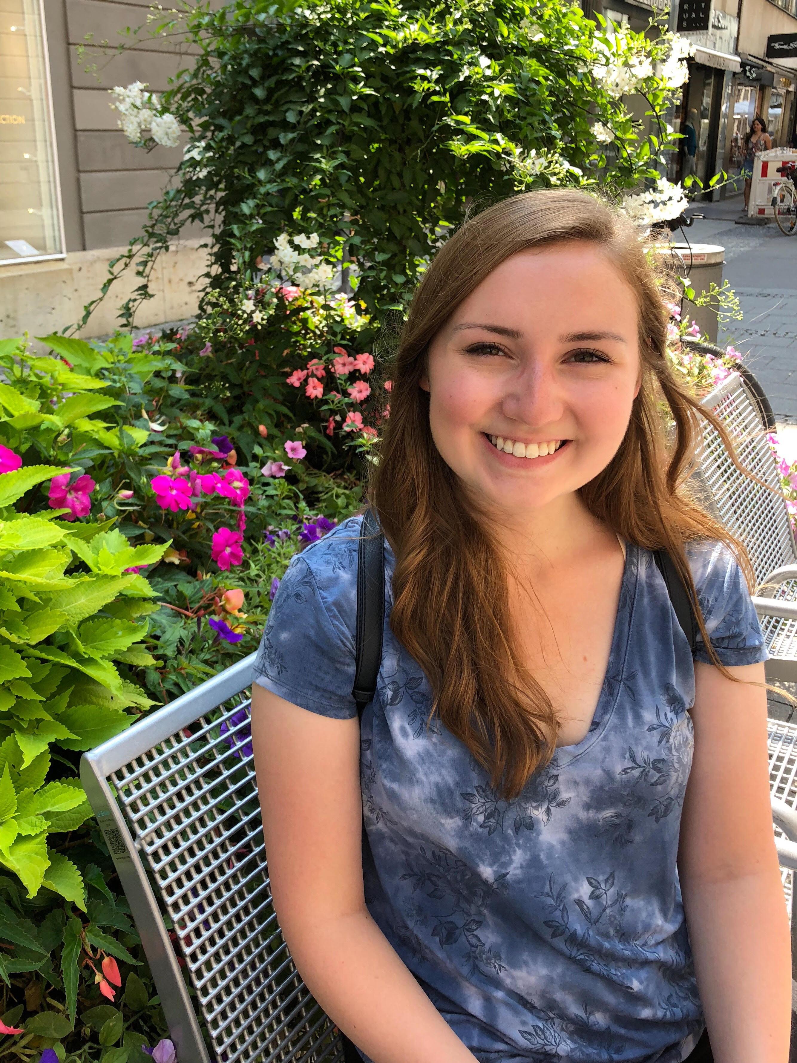 Elizabeth Einig : Research Assistant