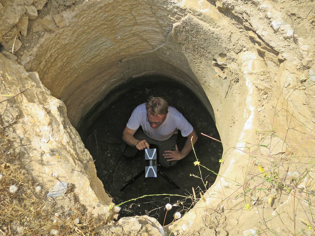Cisterns and water management notion archaeological survey for Cisterna water