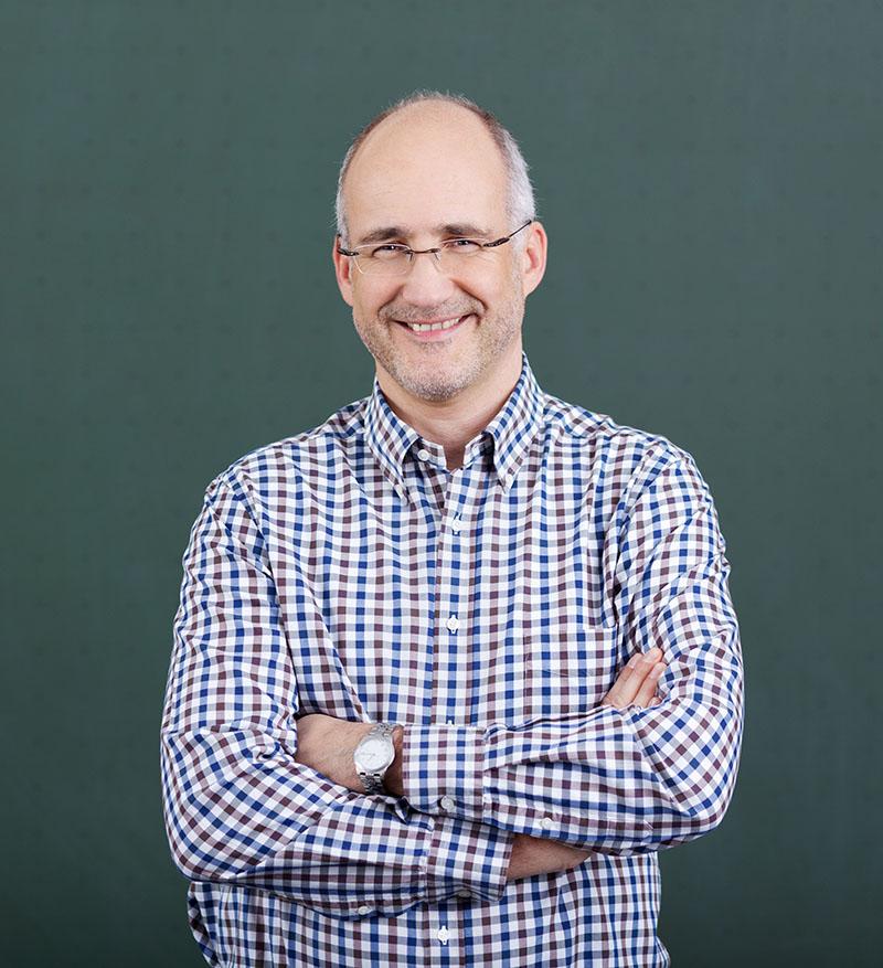 Teddy Compton : Program Manager